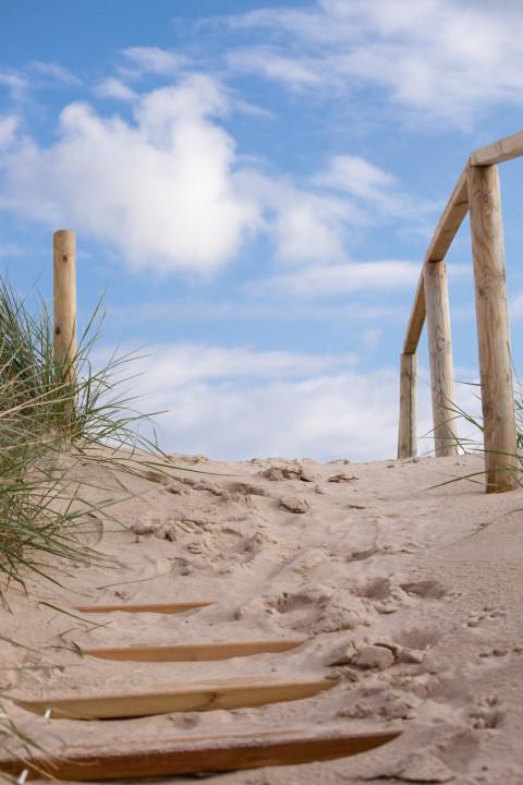 Treppe zu den Dünen - Rasche Bestattungen